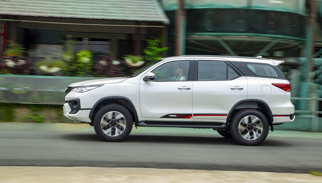 toyota-hai-duong-Toyota-Fortuner-VN-060619-4