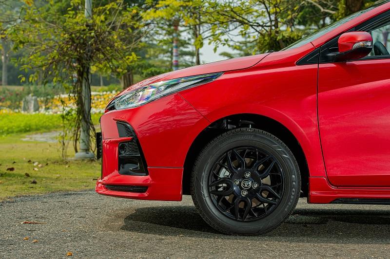 Toyota Vios RS chi tiet 10