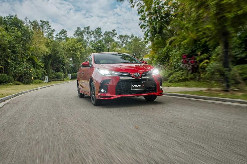Toyota Vios RS van hanh 3