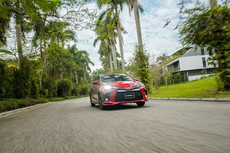 Toyota Vios RS van hanh 8