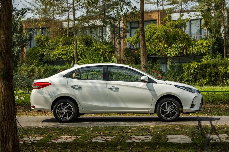 Toyota Vios White A 8